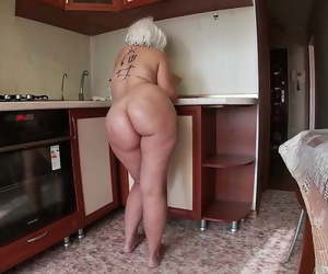 shaved asian pussy squirts